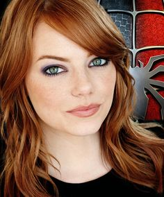 Beautiful, hilarious and smart. Emma Stone. - More at http://cine-mania.it