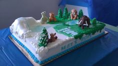 Ice Age Cake Creating all of these figures out of fondant was a challenge. The cake itself is mostly buttercream. trees and all Ice Age Birthday Party, Baby Boy Birthday Cake, Boss Birthday Gift, Birthday Gag Gifts, 3rd Birthday, Birthday Ideas, Ice Age Cake, Creative Party Ideas, Ideas Party
