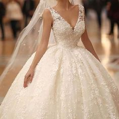 The Dress Closet Princess Wedding, Wedding Bride, Dream Wedding Dresses, Bridal Dresses, Looks Party, Dress Vestidos, Wedding Looks, Dress Picture, Luxury Wedding