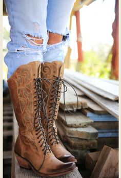 The prairie lace up BOoT