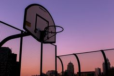 Basketball, sunset, and sky image Pretty Sky, Beautiful Sunset, Beautiful Life, Pink Lila, Belle Villa, Sunset Photography, Indie Photography, Artistic Photography, Aesthetic Vintage