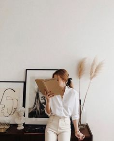 Interior inspiration Related Post Inspiration for winter floral/greens/color fall style inspiration Fashion Mode, Look Fashion, Fashion Beauty, Fashion Trends, Ladies Fashion, 90s Fashion, Womens Fashion, Fashion Dresses, Ulzzang Fashion