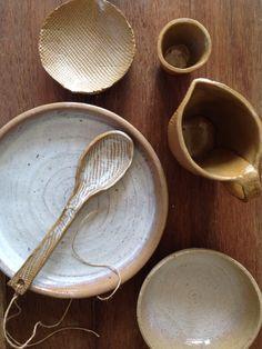 Mother pearl glaze Mother Pearl, Clay Creations, Spoon Rest, Glaze, Pottery, Tableware, Isomalt, Ceramics, Dinnerware