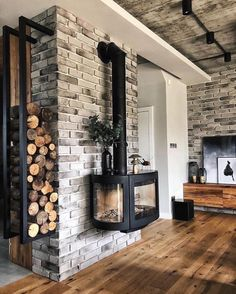 Indoor Wood Burning Fireplace, Cabin Fireplace, Living Room With Fireplace, Fireplace Design, Indoor Wood Stove, Wood Stove Wall, Modern Wood Burning Stoves, Wood Stove Modern, Wood Burner