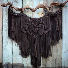 25 trendy wall hanging yarn diy dream catchers – Willkommen in meiner Welt Macrame Design, Macrame Art, Macrame Projects, Macrame Knots, Macrame Wall Hanging Patterns, Macrame Plant Hangers, Macrame Patterns, Macrame Curtain, Crafty Craft