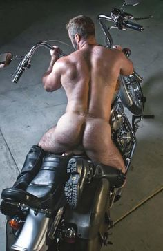 Beefy Male Butts: Naked Butts