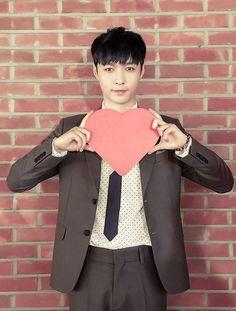 Lay exo!!!!! I will give you my heart! sweet unicorn!!!