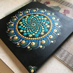 Painting are all in dots. Dot Art Painting, Mandala Painting, Pebble Painting, Tole Painting, Mandala Dots, Mandala Pattern, Mandala Design, Mandala Painted Rocks, Rock Painting Ideas Easy