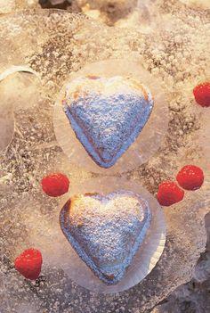 Weihnachtsbäckerei: Herzen mit Vanillecreme-Füllung, Foto: © Christian Verlag / Marie Langenau