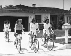 Rita Hayworth leaving her house with friends.  Photo by Peter Stackpole 1940