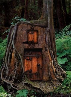 fairy house | Tumblr454 x 618611.4KBwww.tumblr.com  to would love to make a fairy house with door and window like this