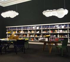 NEMO – Nuvola pendant designed by Mario Bellini.  Pendant, ceiling/wall lamps in natural opal polyethylene. Full lighting for a widespread and comfortable output.NEMO – Nuvola pendant designed by Mario Bellini.  Pendant, ceiling/wall lamps in natural opal polyethylene. Full lighting for a widespread and comfortable output.