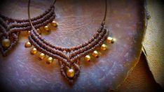 Orecchini Macrame / orecchini a cerchio / Handmade / tribali gioielli / perle di ottone