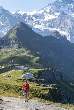 Royal Walk auf dem Männlichen - Schweizer Ausflugstipp Vacation Destinations, Vacation Spots, Hidden Places, Places To Go, Places In Switzerland, Rando, Germany Travel, Nature Scenes, Solo Travel