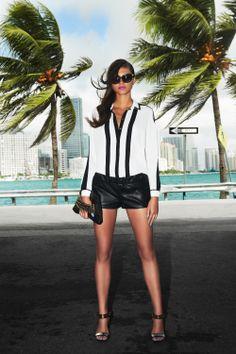 #whiteshirt #shorts #glasses #miami