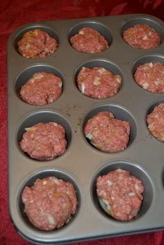 mini meat loaves were quick and easy and tasted great. Adding this to my menu plan!These mini meat loaves were quick and easy and tasted great. Adding this to my menu plan! Easy Hamburger Casserole, Casserole Recipes, Easy Meals With Hamburger Meat, Hamburger Meat Recipes Ground, Hamburger Ideas, Healthy Hamburger, Mini Meatloaf Recipes, Mini Meatloaf Muffins, Muffin Tin Meatloaf