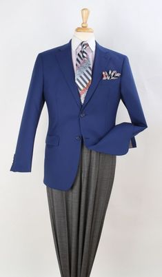What to wear to perform without perspire senseless on your private shuttle. Sharp Dressed Man, Well Dressed Men, Mens Double Breasted Blazer, Steve Harvey Suits, Discount Suits, Men Wearing Dresses, Blazers, Clothing Store Displays, Kings Man