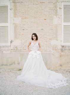 Vintage Vera Wang wedding gown: http://www.stylemepretty.com/2016/09/27/sylvie-gils-vintage-inspired-workshop-in-the-south-of-france-part-i/ Photography: Sylvie Gil - http://www.sylviegilphotography.com/