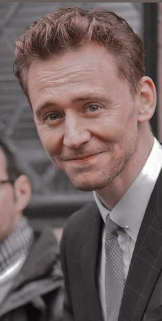Loki Marvel, Marvel Actors, Marvel Movies, Thomas William Hiddleston, Tom Hiddleston Loki, Marvel Background, Sherlock, Tommy Boy, Man Thing Marvel