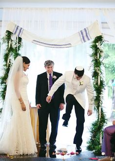 6 Tips For Communicating During a Multicultural Wedding : Brides