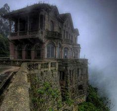 Hotel abandonado en El Salto, Colombia