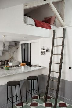14 photos to peek inside Paris' coolest tiny apartment