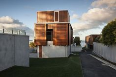 Takapuna House by Athfield Architects | HomeDSGN, a daily source for inspiration and fresh ideas on interior design and home decoration.
