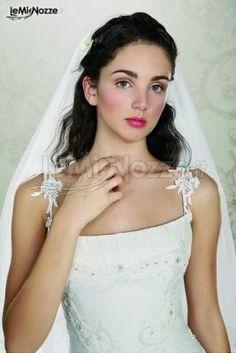 Acconciature da sposa capelli semiraccolti