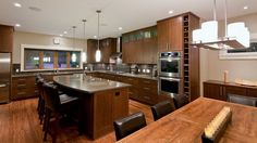All Wood Furnishings in Contemporary Kitchens Decor