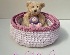 Etsy の Three crochet baskets by UncinettoPerGioco
