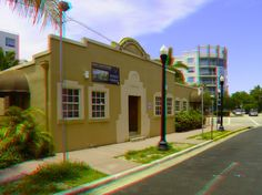 "161 Washington Avenue - Soto Medical Center -    Built: 1926 - Style: Art Deco / Mediterranean - Google ""anaglyph glasses"" to view in 3D!"