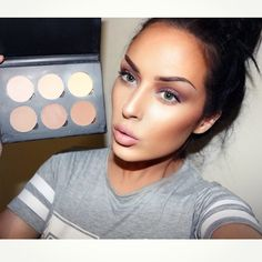 karrenjadexx's Instagram posts - anastasia beverly hills contour kit