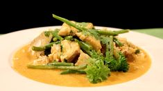 Fisk i kokos og karri Wok, Thai Red Curry, Cooking Recipes, Fish, Meat, Chicken, Ethnic Recipes, Cilantro, Beef