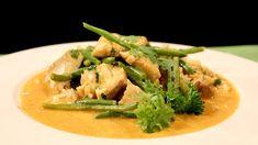 Fisk i kokos og karri Wok, Thai Red Curry, Cooking Recipes, Fish, Meat, Chicken, Ethnic Recipes, Cilantro, Chef Recipes