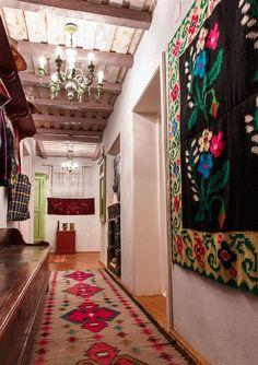 Simple House Design, Luxury Restaurant, Interior Decorating, Interior Design, Traditional Interior, Design Case, Eclectic Decor, Home Fashion, Cozy House
