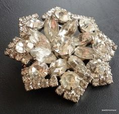 Unsigned WEISS Vintage Brooch Pin DECO Flower Clear Rhinestone Silver Tone! 342