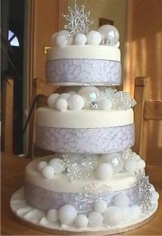 The 48 best Wedding cakes - Winter theme images on Pinterest ...