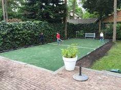 Een kunstgras hockeyveld thuis laten plaatsen is een goed idee.