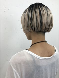 Short Hair Dos, Really Short Hair, Blunt Bob Hairstyles, Cool Hairstyles, Hair Inspo, Hair Inspiration, Short Pixie Bob, Hair Vanity, Androgynous Haircut