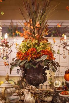 Unique Fall Decor & Accessories ,this is so classy and beautiful , but on a smaller scale , for my kitchen. Decoration Christmas, Thanksgiving Decorations, Thanksgiving Table, Fall Decorations, Seasonal Decor, Holiday Decor, Fall Home Decor, Autumn Home, Fall Flower Arrangements