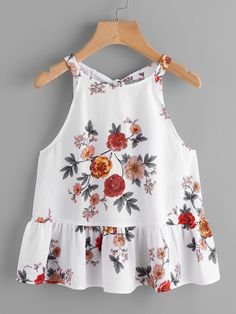 Shop Keyhole Tie Back Ruffle Hem Halter Top online. SheIn offers Keyhole Tie Back Ruffle Hem Halter Top & more to fit your fashionable needs. Blouse Styles, Blouse Designs, Girl Fashion, Fashion Dresses, Womens Fashion, Pretty Outfits, Cute Outfits, Halter Tops, Baby Dress