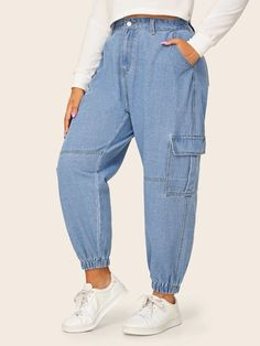 Loose Jeans Outfit, Loose Fit Jeans, Winter Fashion Outfits, Fashion Pants, Fashion Ideas, Balloon Pants, Hoodie Outfit, Plus Size Jeans, Denim Fabric