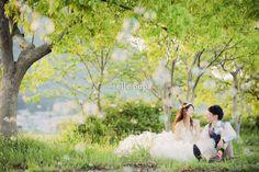 手作りアイテムと夕日と前撮り |*ウェディングフォト elle pupa blog*|Ameba (アメーバ) Wedding Couple Photos, Pre Wedding Photoshoot, Wedding Images, Wedding Couples, Wedding Styles, Crazy Wedding, Dream Wedding, Wedding Things, Engagement Shoots