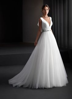 Princess style wedding dress that combines the tulle of its skirt with a wonderful bodice of crepe with wide v-neckline and open back adorned with sophisticated steering wheel. The crystal detail that borders its waist stands out. Princess Style Wedding Dresses, Disney Wedding Dresses, Wedding Dress Styles, Dream Wedding Dresses, Wedding Gowns, Dress Outfits, Fashion Dresses, Bridal Gowns, One Shoulder Wedding Dress