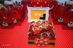 Festa Mickey e Minnie Laura #festapersonalizada #papelariapersonalizada #decoracaofestainfantil #mickeyeminnie