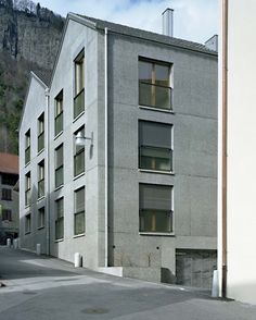 4 Houses by Lando Rossmaier/Miroslav Sik German Architecture, Residential Architecture, Modern Architecture, Miroslav Sik, Facade Design, Townhouse, Multi Story Building, Construction, Exterior