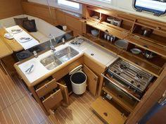 intérieur luxe voile et voilier  photos | ... voilier SUN ODYSSEY 379 performance - Location de bateaux à voile à