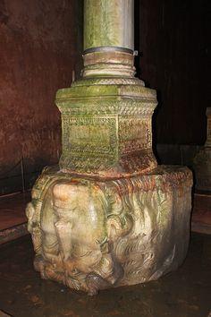 Istanbul: Basilica Cistern (Medusa)