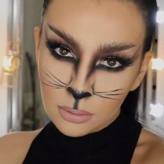Ladies this is an awesome halloween tutorial. Seems pretty simple! Who is going to be cat woman this halloween? ❤️ tag someone who would like this! Mind-Blowing Halloween Makeup Looks eyemakeuptutorial, ADD FOR MORE PINS LIKE THIS DAILY Chat Halloween, Cat Halloween Makeup, Halloween Looks, Halloween Ideas, Halloween Halloween, Cat Costume Makeup, Doll Makeup, Fairy Makeup, Mermaid Makeup
