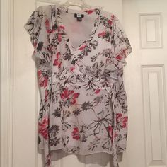 Flirty top Ties in back, white black and red Tops Blouses